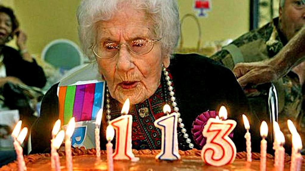 Besse Cooperová při oslavě 113. narozenin
