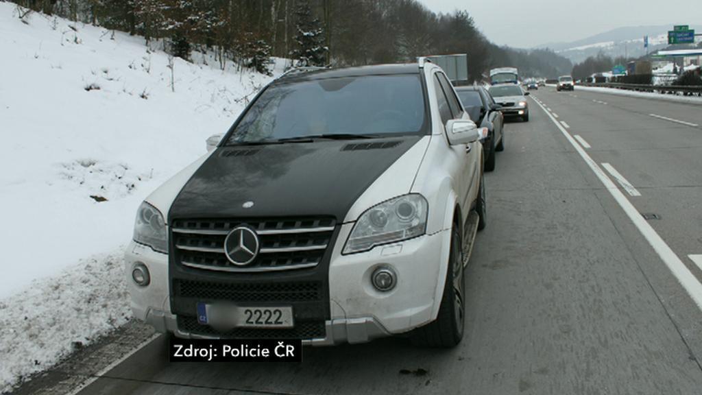 Auto řidiče, který ohrožoval provoz na D1