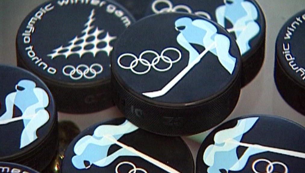Hokejové puky pro olympiádu v Turíně