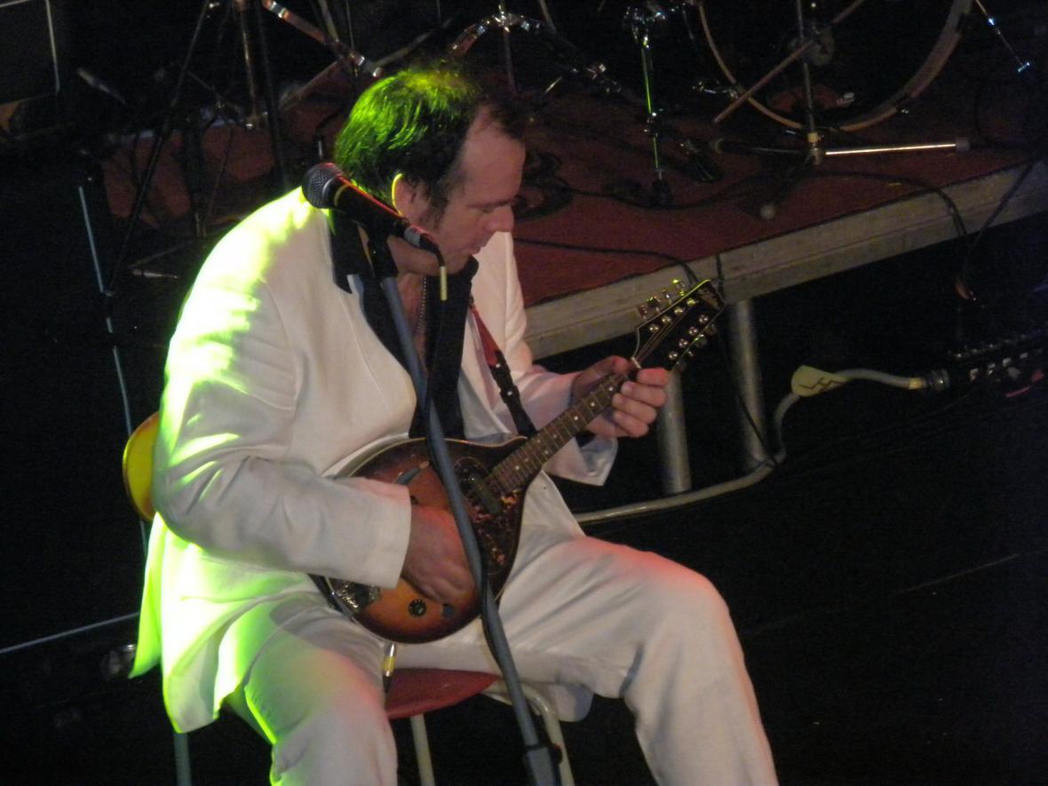 kytarista od Deborah Bonham