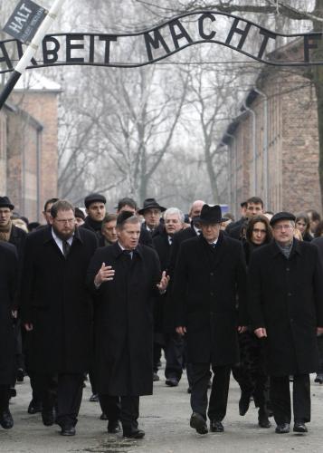Vzpomínkový akt k 66. výročí osvobození koncentračního tábora v Osvětimi