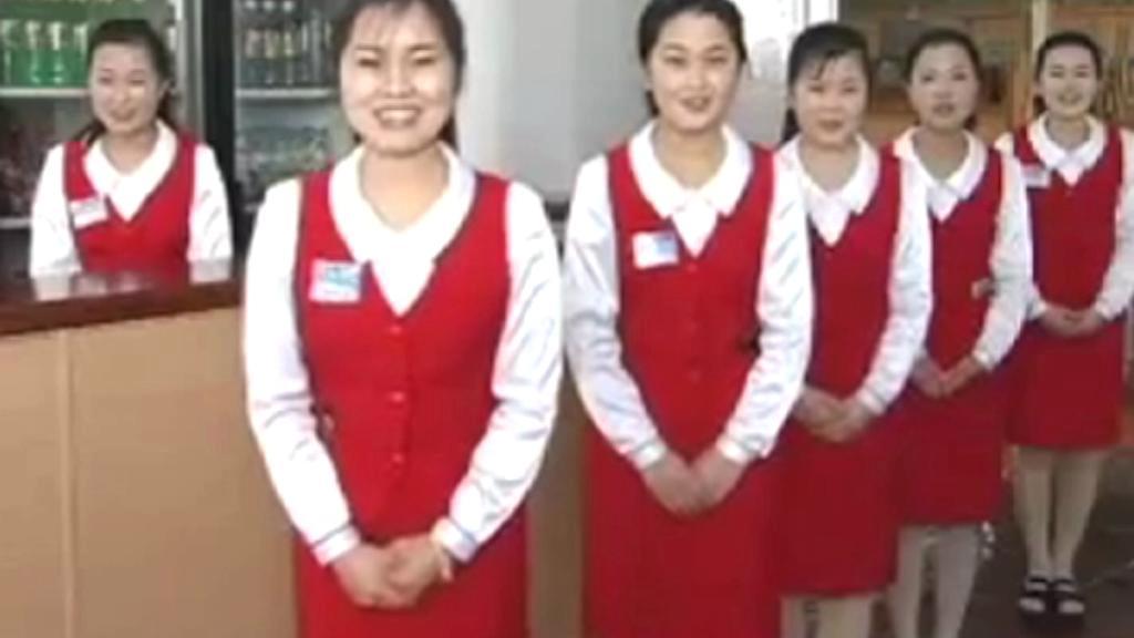 Severokorejské číšnice