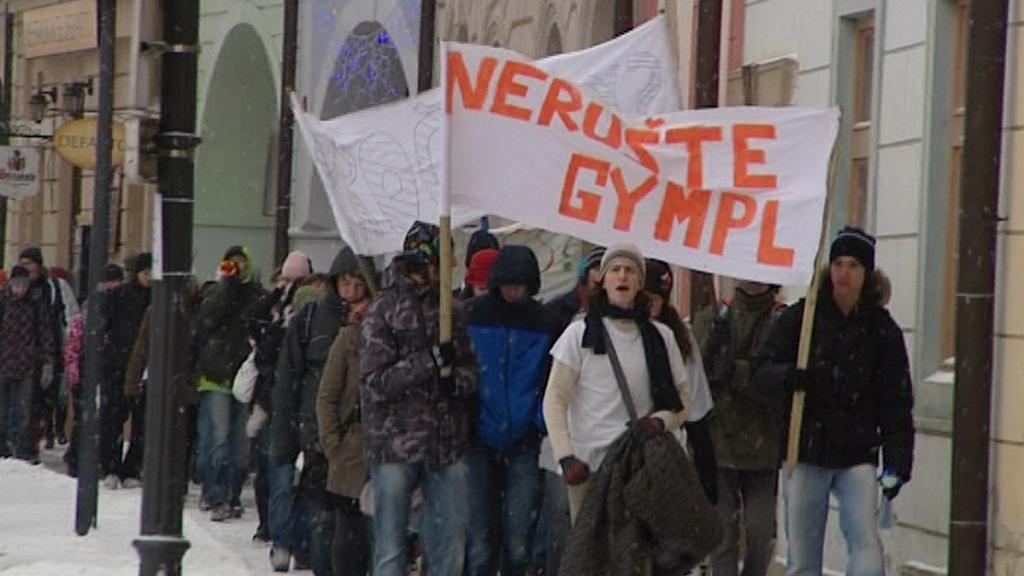 Protestující studenti hořického gymnázia
