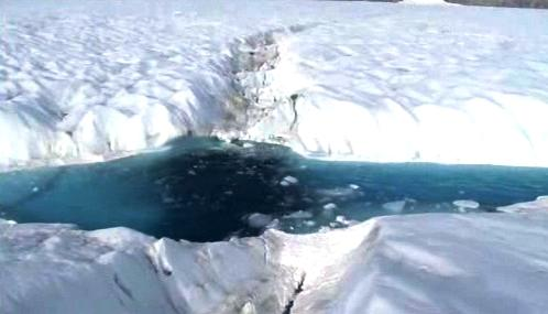 Kra odtržená od Petermannova ledovce