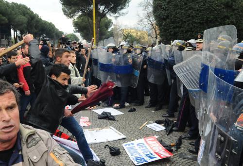 Protivládní demonstrace v Albánii