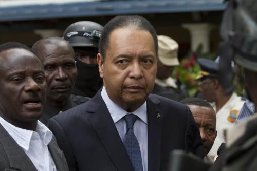 Baby Doca vyvedla z haitského hotelu policie