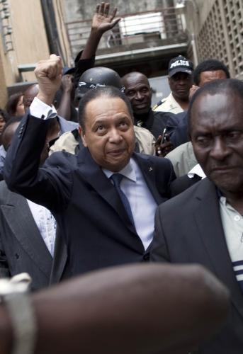 Bývalý haitský diktátor byl odveden policií