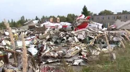 Zbytky letadla po tragédii u Smolensku