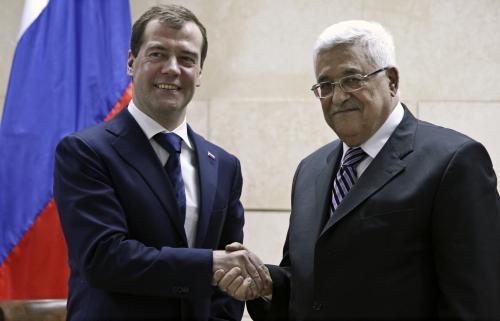 Dmitrij Medveděv s Mahmúdem Abbásem