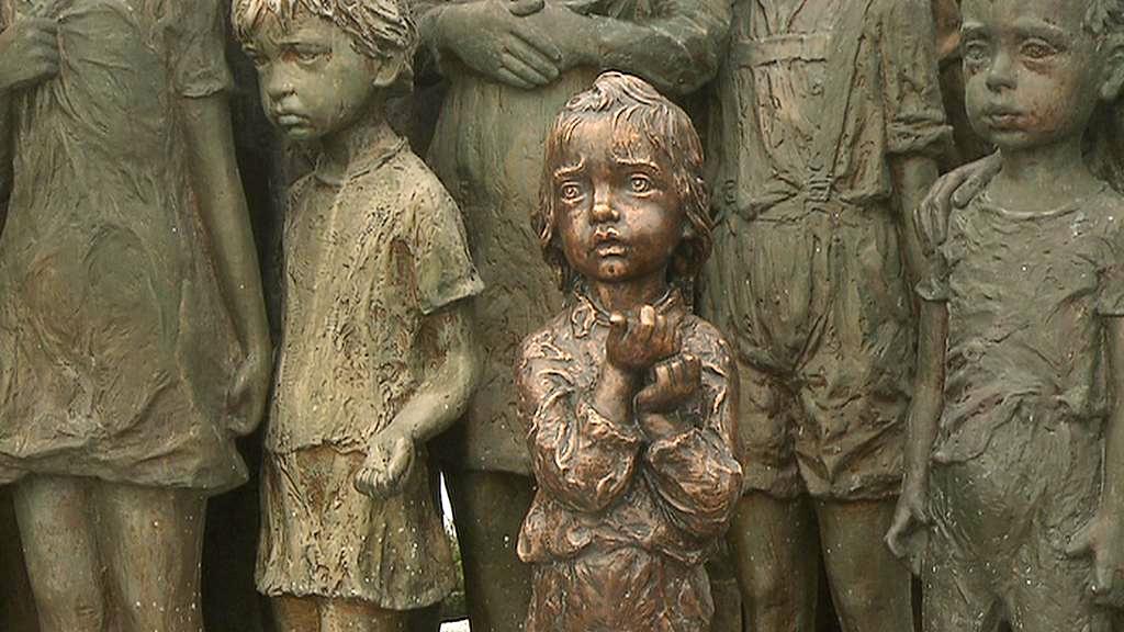 Nový odlitek sochy děvčátka