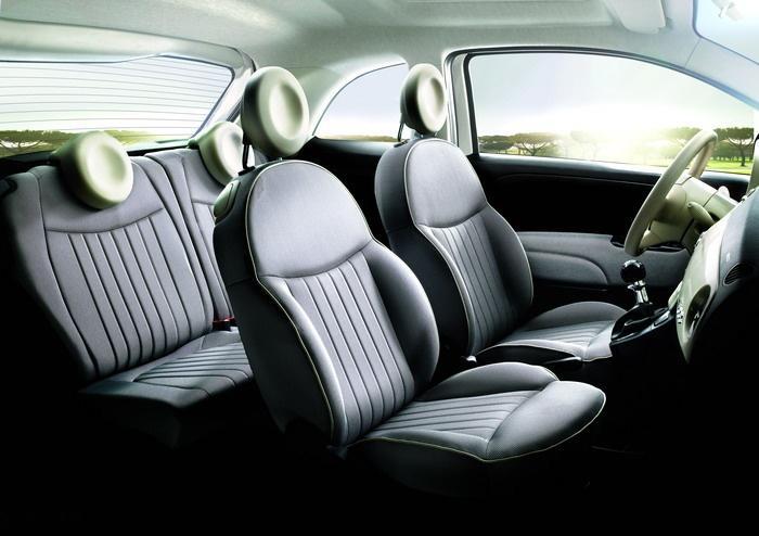 Interiér vozu Fiat 500