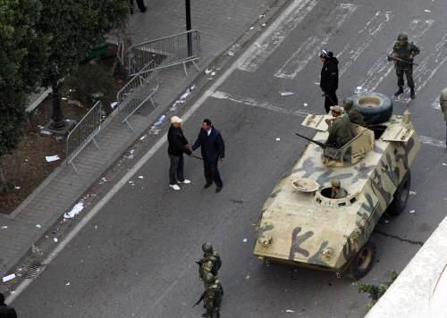 Vojáci v ulicích Tunisu
