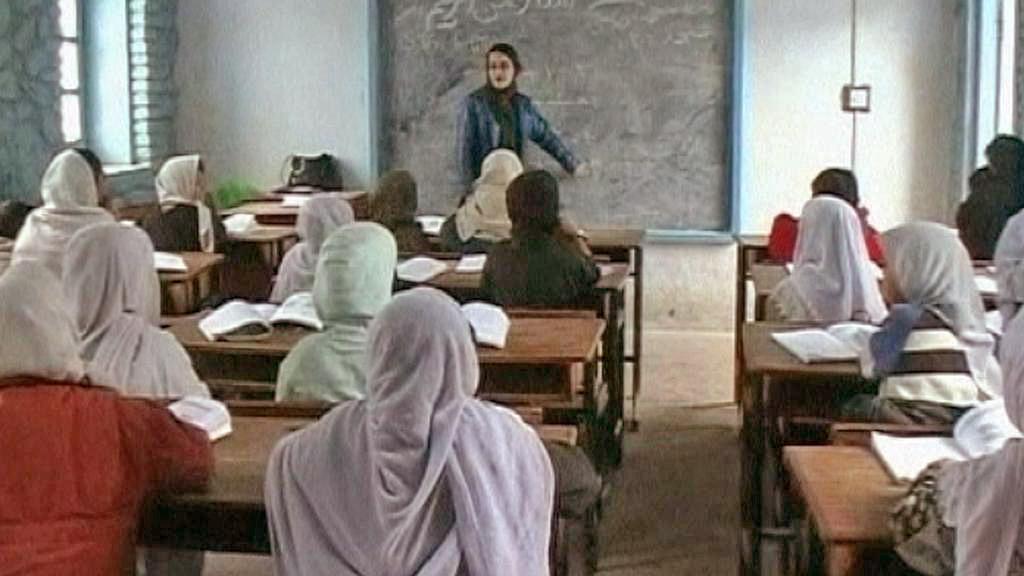 Afghánky ve škole