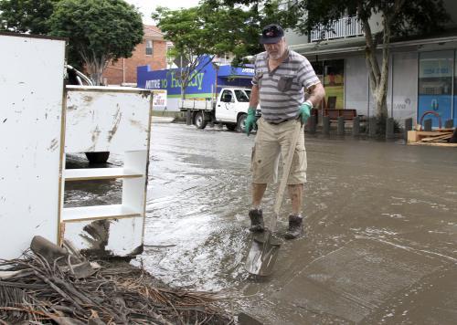 V Austrálii se začalo uklízet po povodních