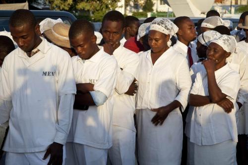 Uctění památky obětí zemětřesení na Haiti