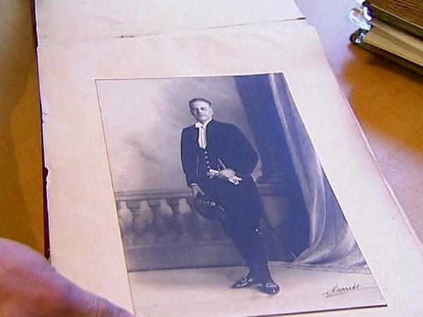 Z archivu Lionela Loguea