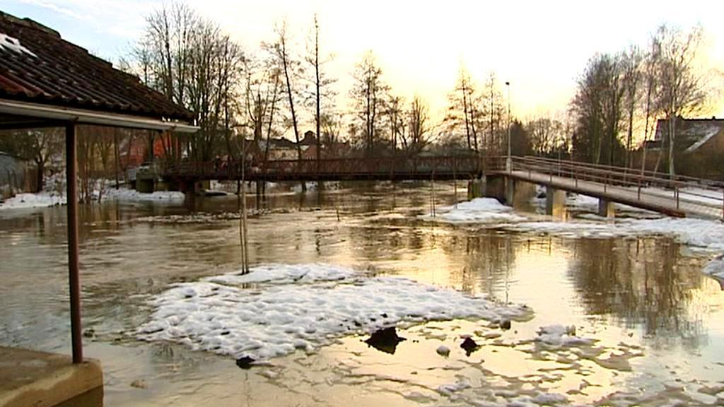 Tající sníh zvedl hladiny řek