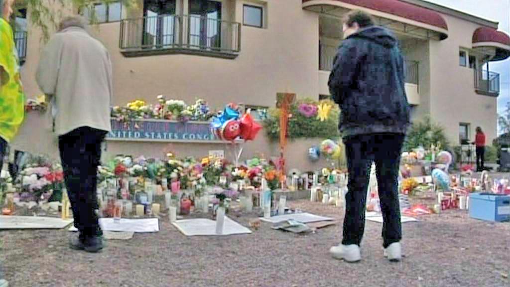 Smutek za oběti arizonského střelce