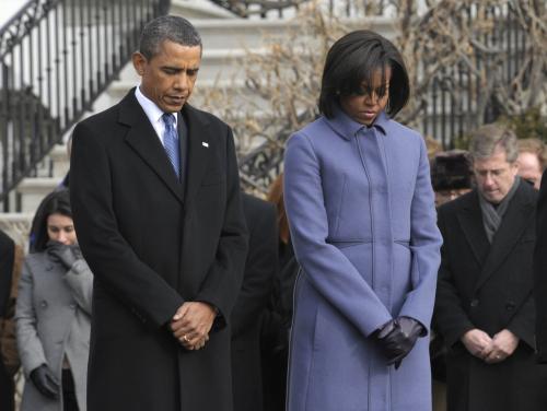 Barack Obama s manželkou Michelle uctili památku obětí střelby z Tucsonu