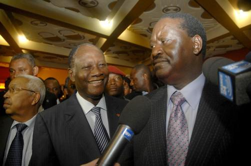 Alassane Ouattara a Raila Odinga (vpravo)