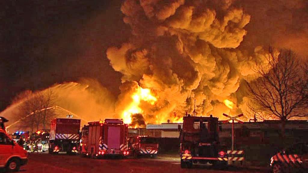 Požár v chemičce u Rotterdamu