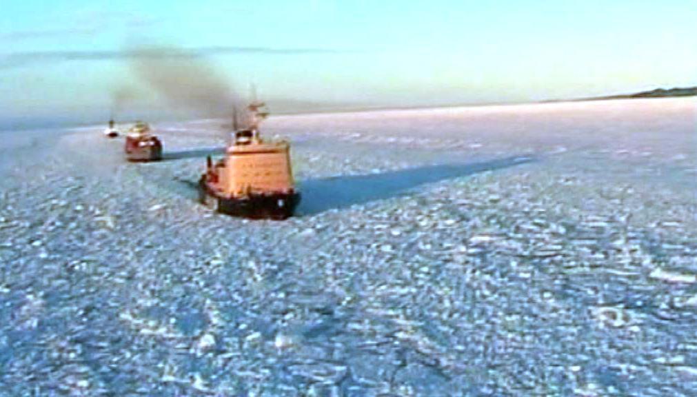 Lodě uvízlé v ledu