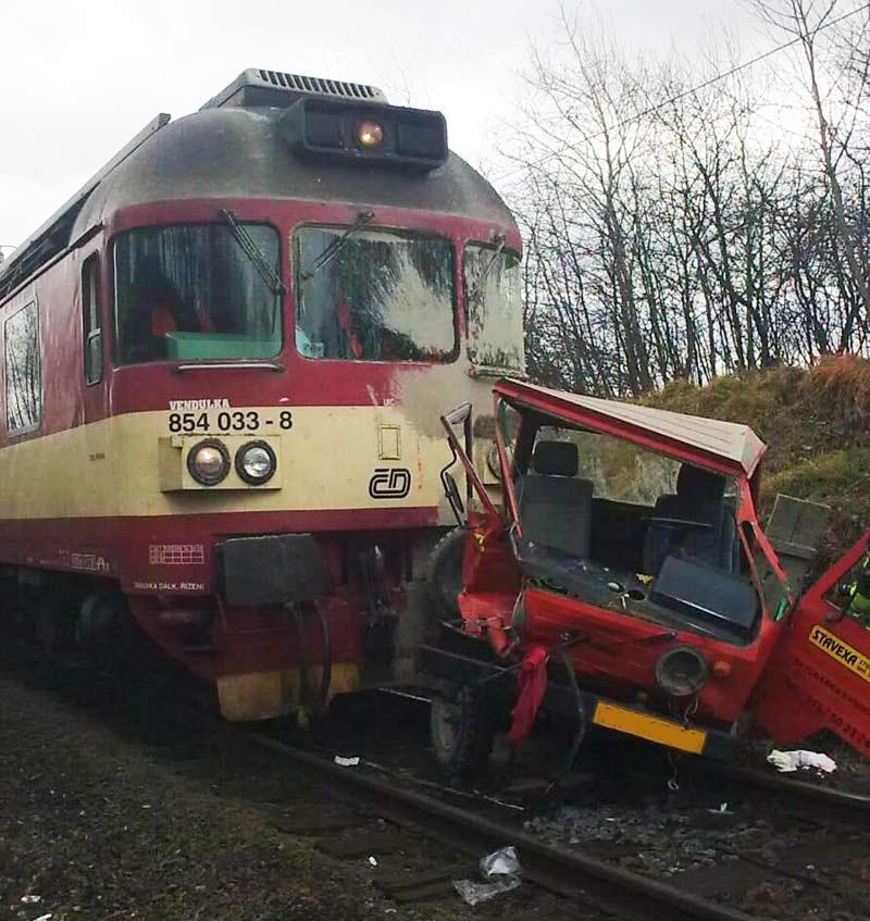 Střet vlaku s autem