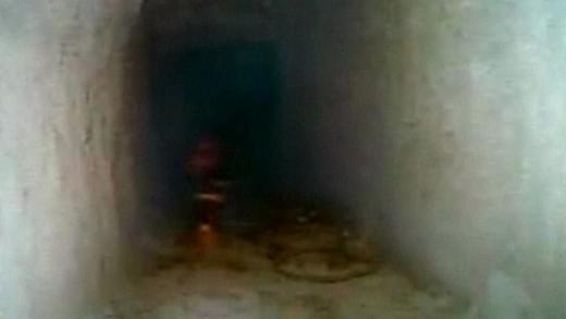 Zloději se dostali do banky tunelem