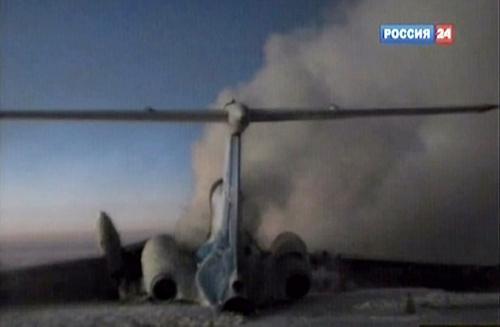 Požár ruského letadla na letišti v Surgutu