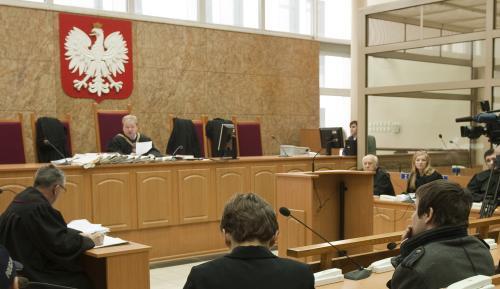 Anders Högström (vpravo) před krakovským soudem