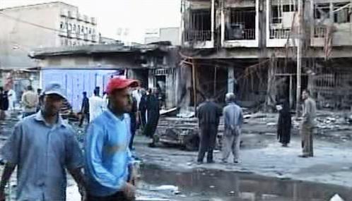 Následky atentátů na šítské čtvrti v Bagdádu