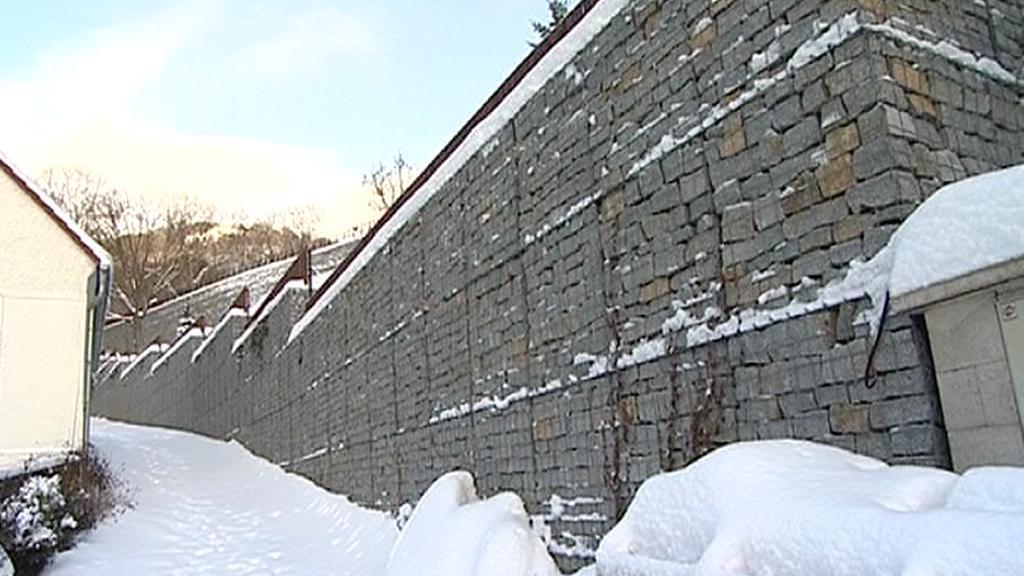 Zeď u sídla Patrika Oulického