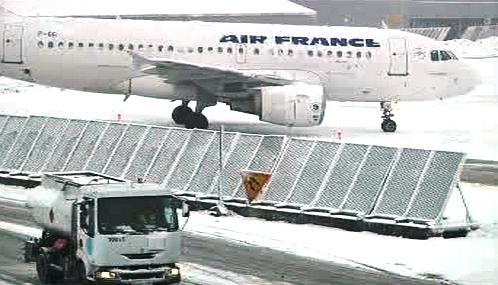 Letiště Roissy-Charles de Gaulle ruší kvůli počasí lety