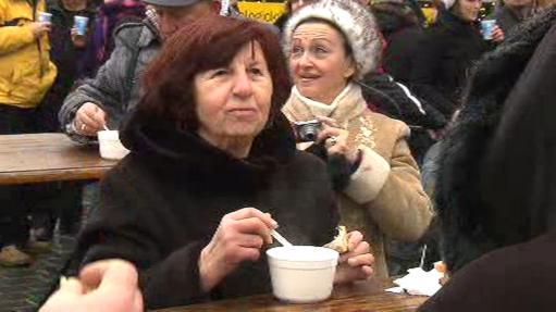Lidé na Staroměstském náměstí