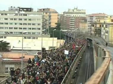 V Římě demonstrují desetitisíce studentů