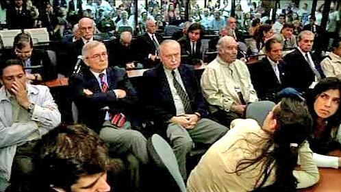 Sedmnáct argentinských důstojníků před soudem