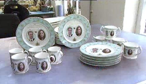 Porcelánová sada s Kate Middletonovou a princem Williamem