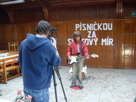 Klienti ÚSP Tuchořice natáčí film na festival Mental Power 2011
