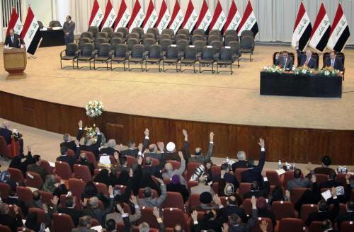 Iráčtí poslanci hlasují pro novou vládu
