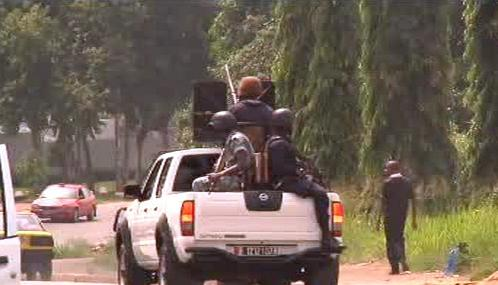 Vojáci v ulicích Abidžanu