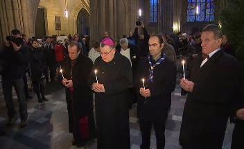 Betlémské světlo ve svatovítské katedrále
