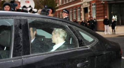 Zatčený Julian Assange