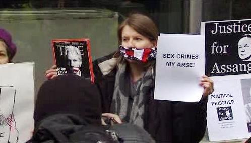 Demonstrace za propuštění Juliana Assange