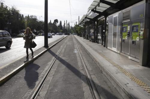 Prázdná tramvajová zastávka
