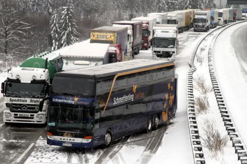 Problémy se sněhem na německé dálnici