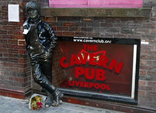 30. výročí smrti Johna Lennona v Liverpoolu