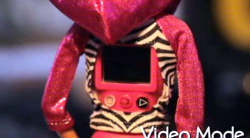Display v zádech Video Barbie