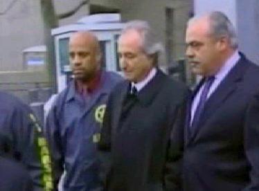 Madoff v sevření policie