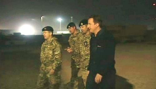 David Cameron na návštěvě britských jednotek v Afghánistánu