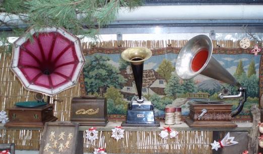 Staré gramofony na výstavě Dárky od Ježíška